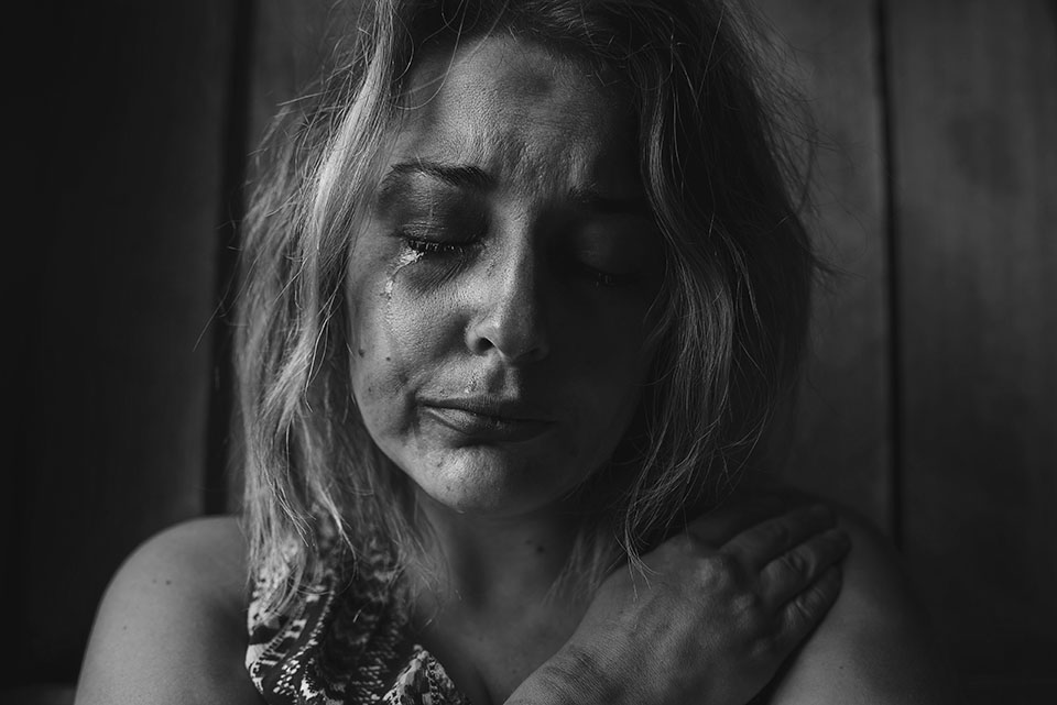 b&w woman crying